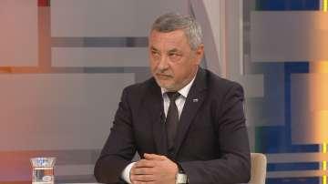Валери Симеонов ще съди вестник за изопачаване на думите му