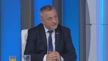 Валери Симеонов: Около 5-6 хиляди незаконни казана за ракия не се проверяват