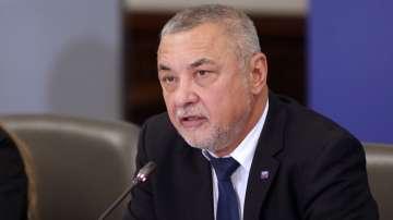 """Драматичен съвет на """"Обединени патриоти"""" за оставката на Валери Симеонов"""
