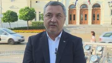 Валери Симеонов призова колегите си да подкрепят Каракачанов за президент