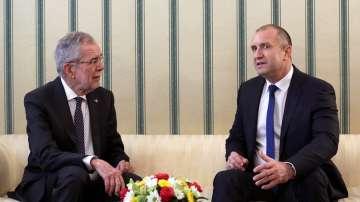 Президентите на Австрия и България: Трябва да се търси диалог с Русия