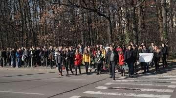 Съученици на децата, пострадали на бул. Вапцаров, със своя версия за инцидента
