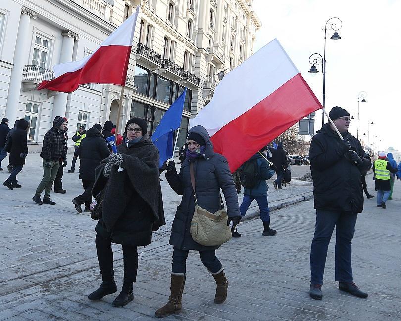 стотици граждани протестираха план разширяване варшава