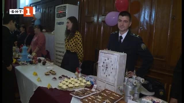 Снимка: Щабът на ВМС във Варна отвори врати за традиционния си благотворителен базар