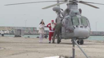 Дядо Коледа пристигна във Варна с хеликоптер