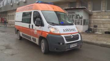 7 души, сред които 2 деца, са ранени при катастрофа с автобус във Варна