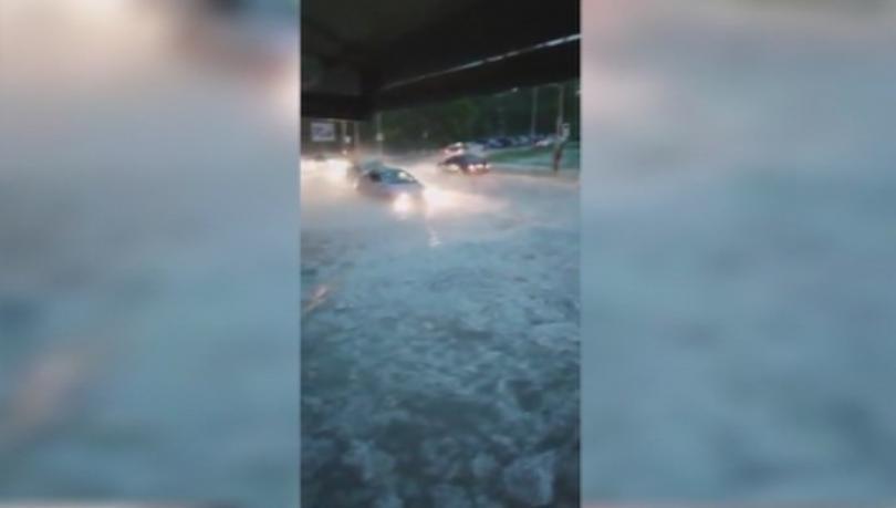 Отстраняват се щетите във Варна след градушката и проливния дъжд,