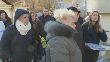 Варненци протестират против строеж на жилищен блок на улицата, на която живеят