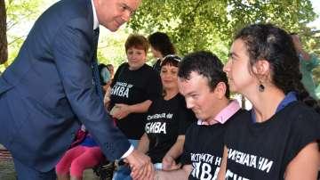 Бисер Петков се срещна с майки на младежи с множество увреждания във Варна