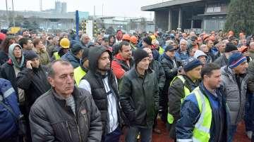 Протест на работници и служители от пристанище Варна-Запад