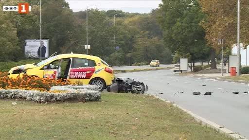 Водач на мотопед загина тази сутрин в тежка катастрофа във