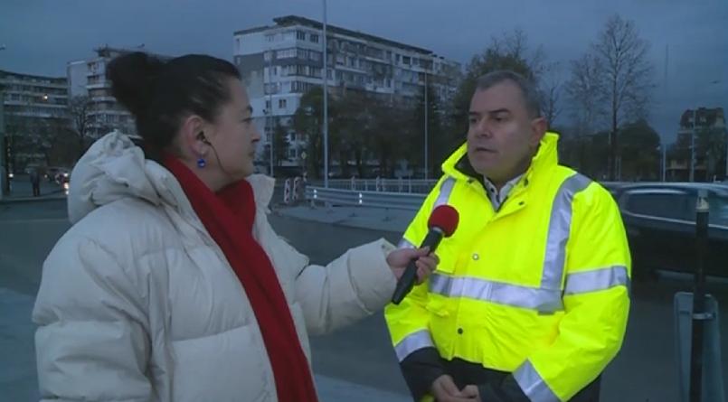 Във Варна лек автомобил падна от близо 10 метра височина