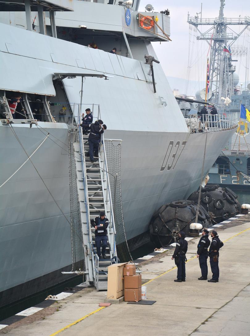 снимка 5 Група патрулни кораби на НАТО акостира във Варна (СНИМКИ)