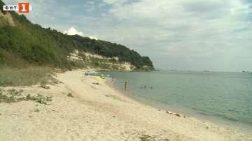 Проверяват сигнал за джипове на плаж Паша дере