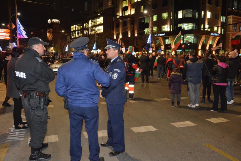 С протест пред общината във Варна и автошествие - жители