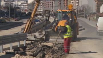 Ремонтират отново преасфалтирана улица във Варна