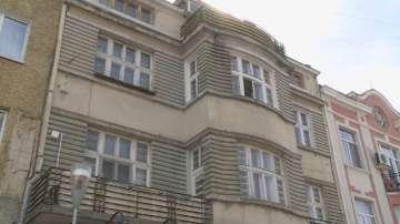 Спешни мерки за над 140 рушащи се къщи - паметници на културата във Варна