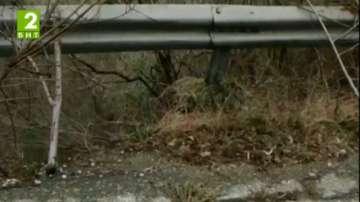 Свличане на земна маса затвори пътя Асеновград - Смолян