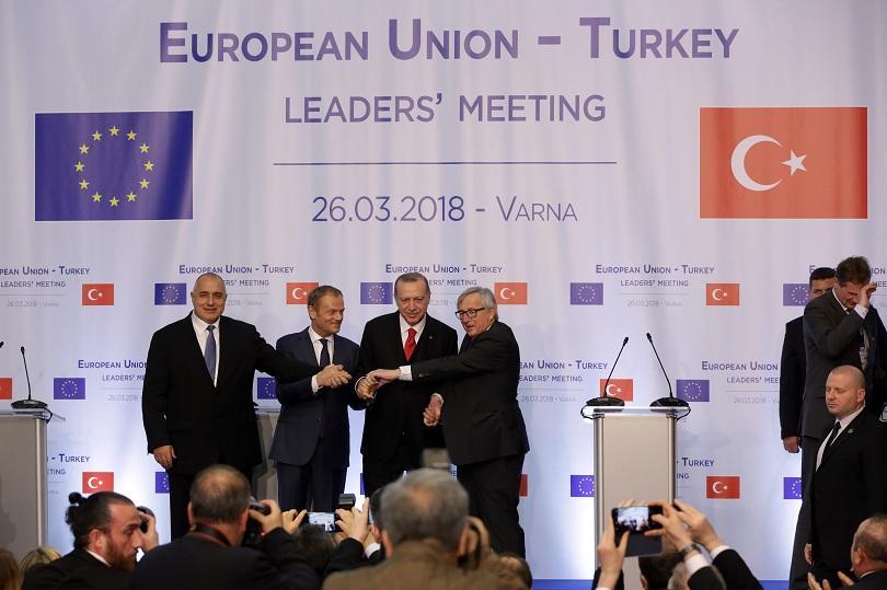 снимка 1 ЕС и Турция остават близки партньори по споразумението за мигрантите
