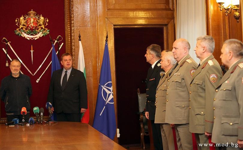 На тържествена церемония в Министерството на отбраната министър Красимир Каракачанов