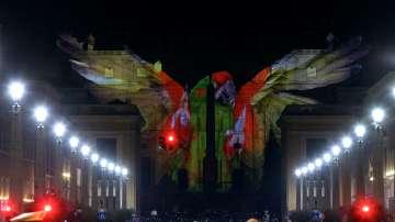 Светлинно шоу във Ватикана