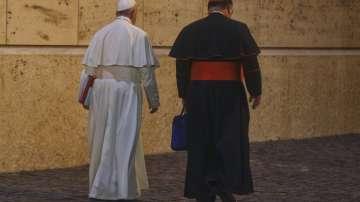 Папата започна среща с епископи на фона на скандала за сексуални злоупотреби