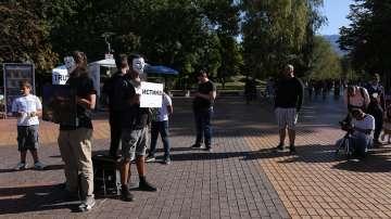 Вегани с протестна акция в Южния парк в София