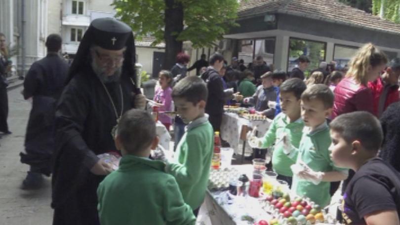 1000 яйца боядисаха деца от старозагорски училища на Велики четвъртък