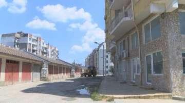 Жители на Велико Търново ремонтираха улица със собствени средства