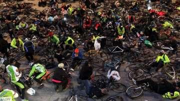 Протест на велосипедисти в знак на съпричастност към загиналия Мартин Гачев