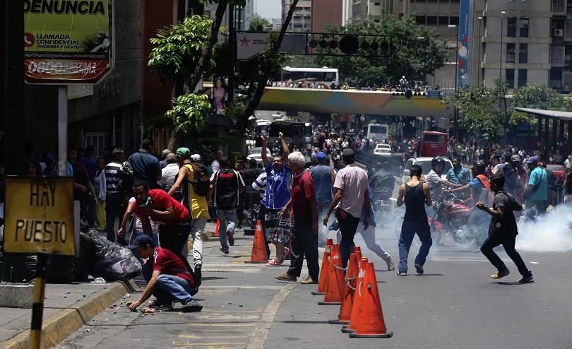 столицата венецуела избухнаха гладни бунтове