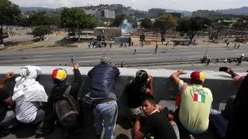 Двама души са загинали при сблъсъци във Венецуела