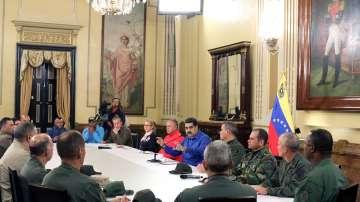 Напрежението във Венецуела: Гуайдо и Мадуро в сблъсък за подкрепата на армията