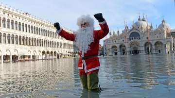 Венеция посреща Коледа с наводнение