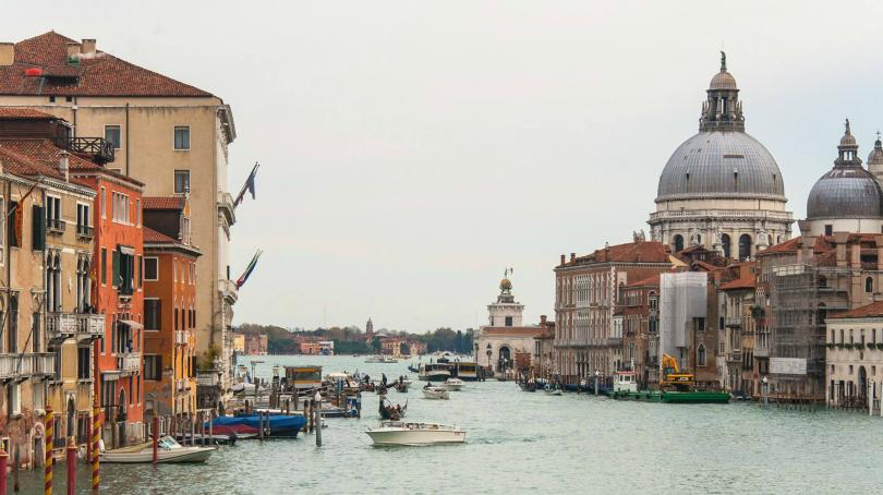 А във Венеция - туристите рискуват глоба до 500 евро,
