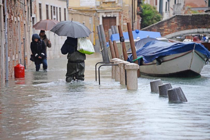 Властите във Флоренция и Пиза следят внимателно нивото на река