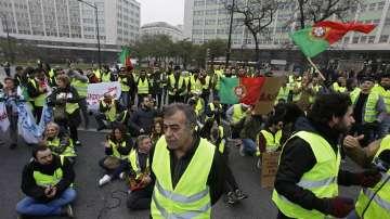"""Протест по примера на """"жълтите жилетки"""" в Португалия"""