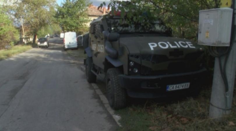 Спецпрокуратурата и жандармерията блокираха тази сутрин град Ветово. Акцията е