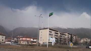 Ураганен вятър в Централна България: Евакуираха ученици в Сопот