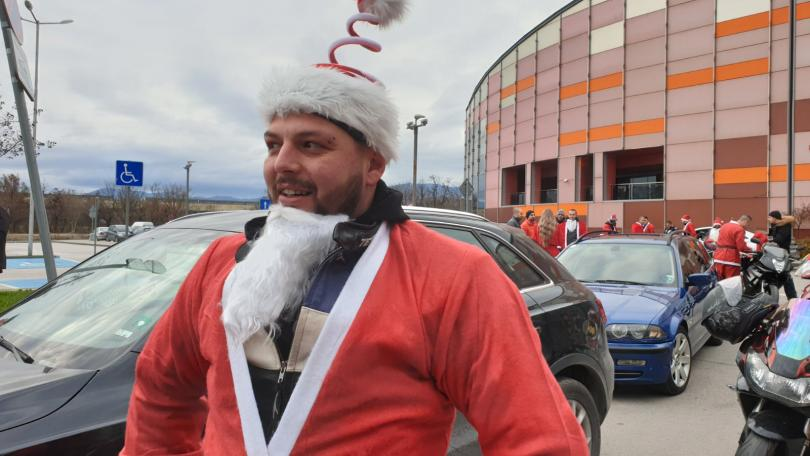 снимка 2 Пловдивски мотористи с благотворително шествие за Коледа (СНИМКИ)