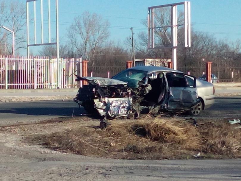 снимка 1 Заспал зад волана шофьор предизвика катастрофа в Пловдив (Снимки)