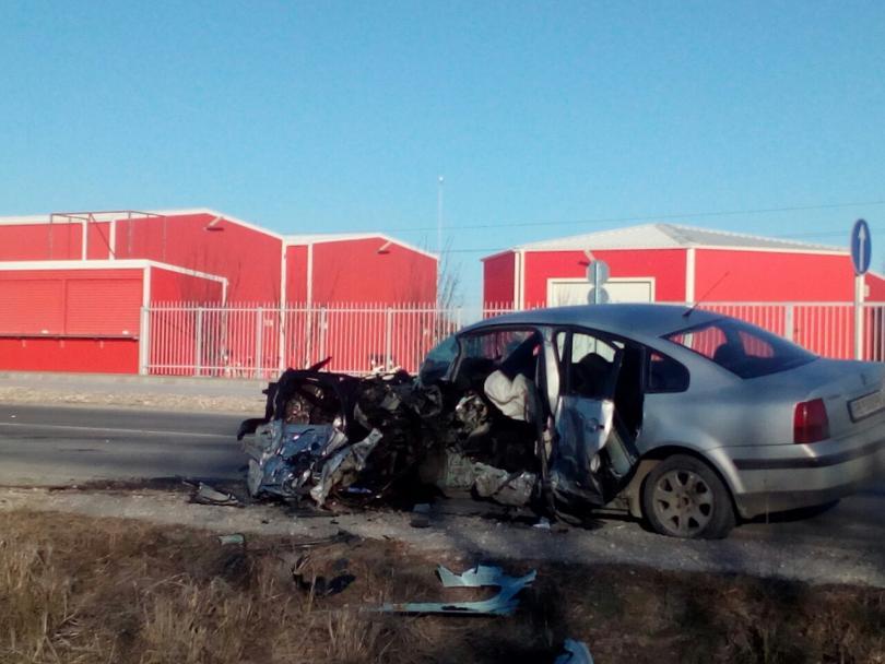 снимка 3 Заспал зад волана шофьор предизвика катастрофа в Пловдив (Снимки)