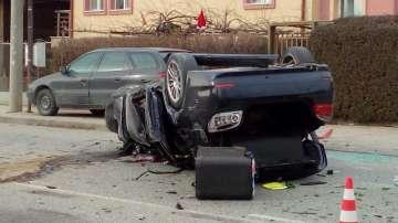 Пиян шофьор помете коли и се преобърна на пътя в село Калековец