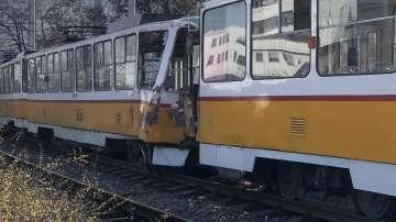 Млад мъж е загинал, а 9 души са ранени при катастрофата с трамваи в София