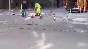 Полагат първата пешеходна пътека на ремонтиран участък от бул. Дондуков