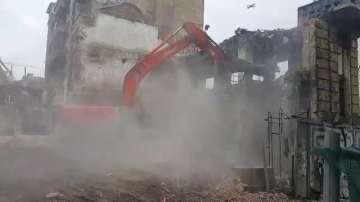 Продължава събарянето на къщата на Рачо Петров в София