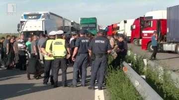 Шофьори блокираха Дунав мост 2 заради опашки на ГКПП Видин - Калафат