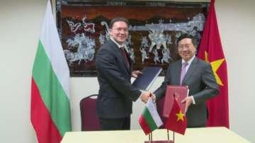 Напредък в стратегическото партньорство между България и Виетнам
