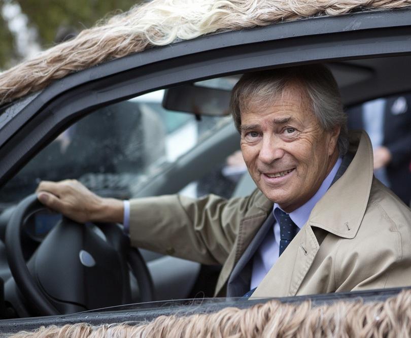 Френският милиардер Венсан Болоре е задържан по подозрение в корупция.