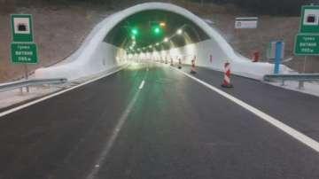Автомобил се запали в тунел Витиня